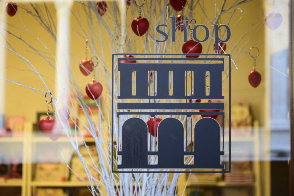 bookshop-mostra-love2016 (34)